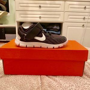 Nike Free V